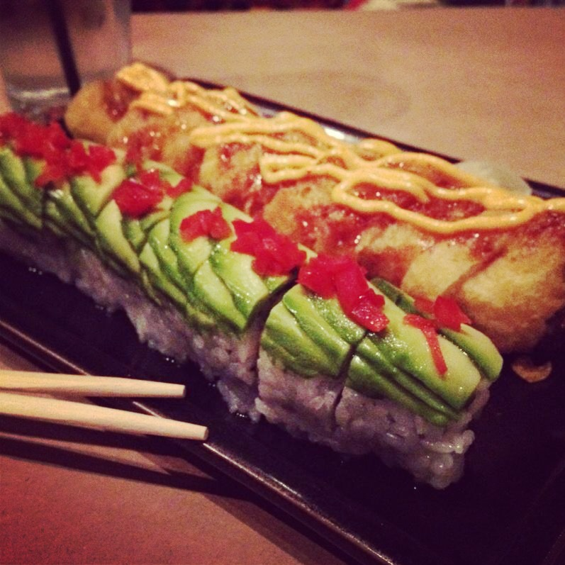 chop sticks, avocado, peppers, sweet pea roll, sweetpea roll, vegas roll, sushi, sushi rolls, fresh fish, happy sumo, rice, fresh food, restaurant, food, fish,