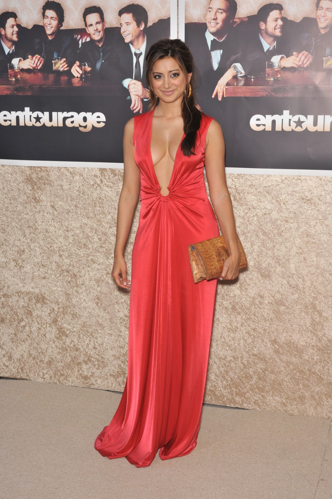 noureen dewulf hot in red dress   hd group sex