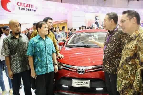Toyota Indonesia Donasikan 13 Mobil