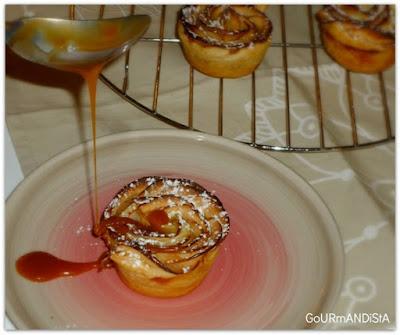 image-Roses feuilletées aux pommes et caramel au beurre salé