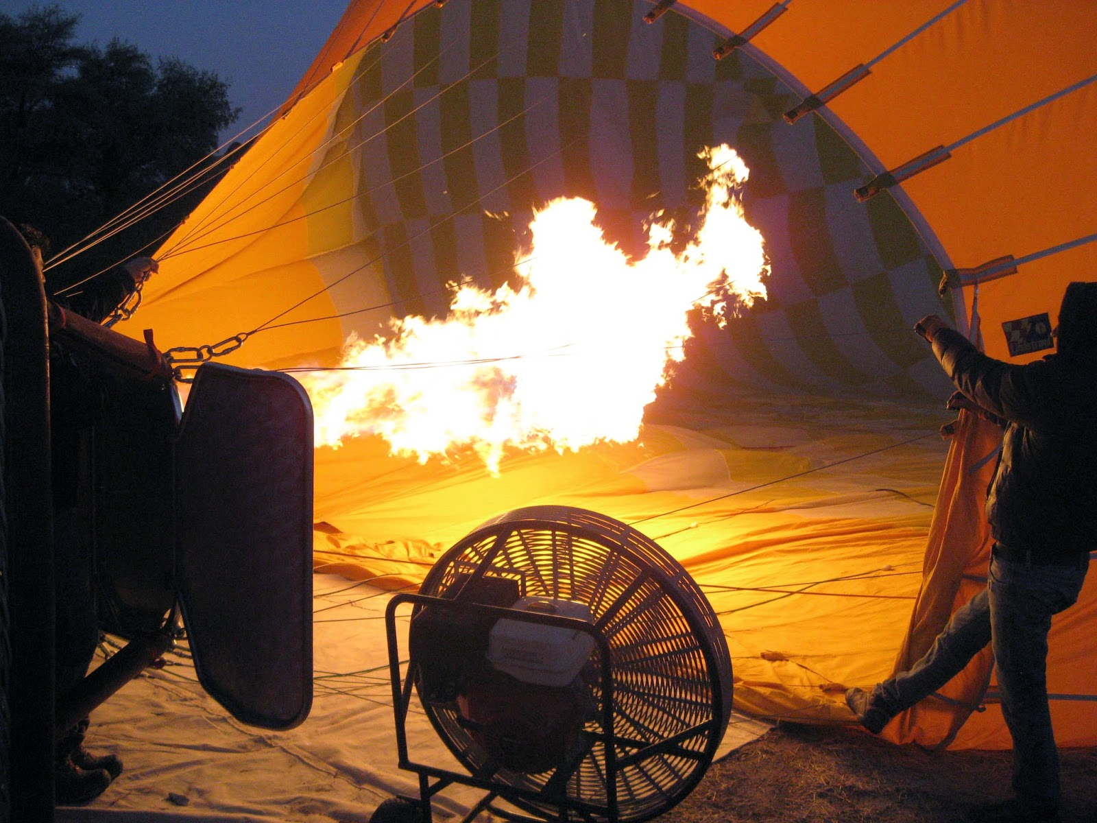 Cappadocia - Firing up the hot air balloon