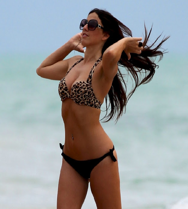 CLAUDIA ROMANI Bikini pictures on Miami Beach