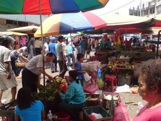 Pasar Pudu perlu bersih tarik pelanggan, KUALA LUMPUR: Peniaga kecil di Pasar Pudu mampu memberi saingan perniagaan kepada pasar raya besar sekiranya mereka sentiasa mengutamakan kebersihan pasar terbabit.