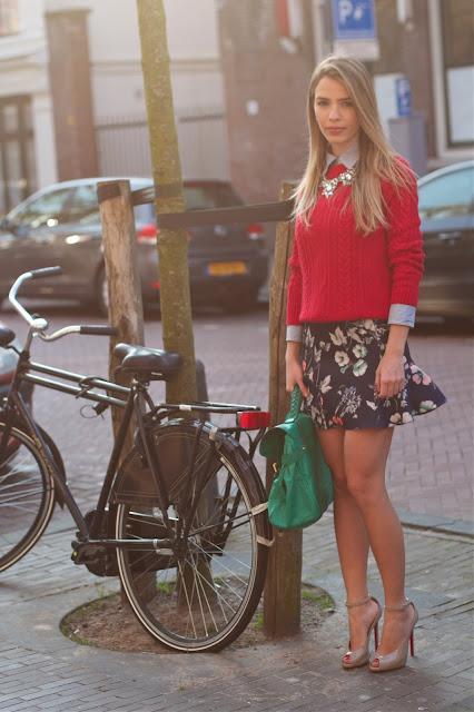 talita carvalho silverberg, saia, zara, louboutin, bolsa mulberry, bicicleta
