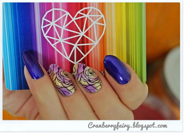kwiatowy manicure