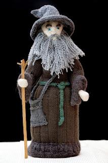 hobbit-knitted-model-wool-gandalf