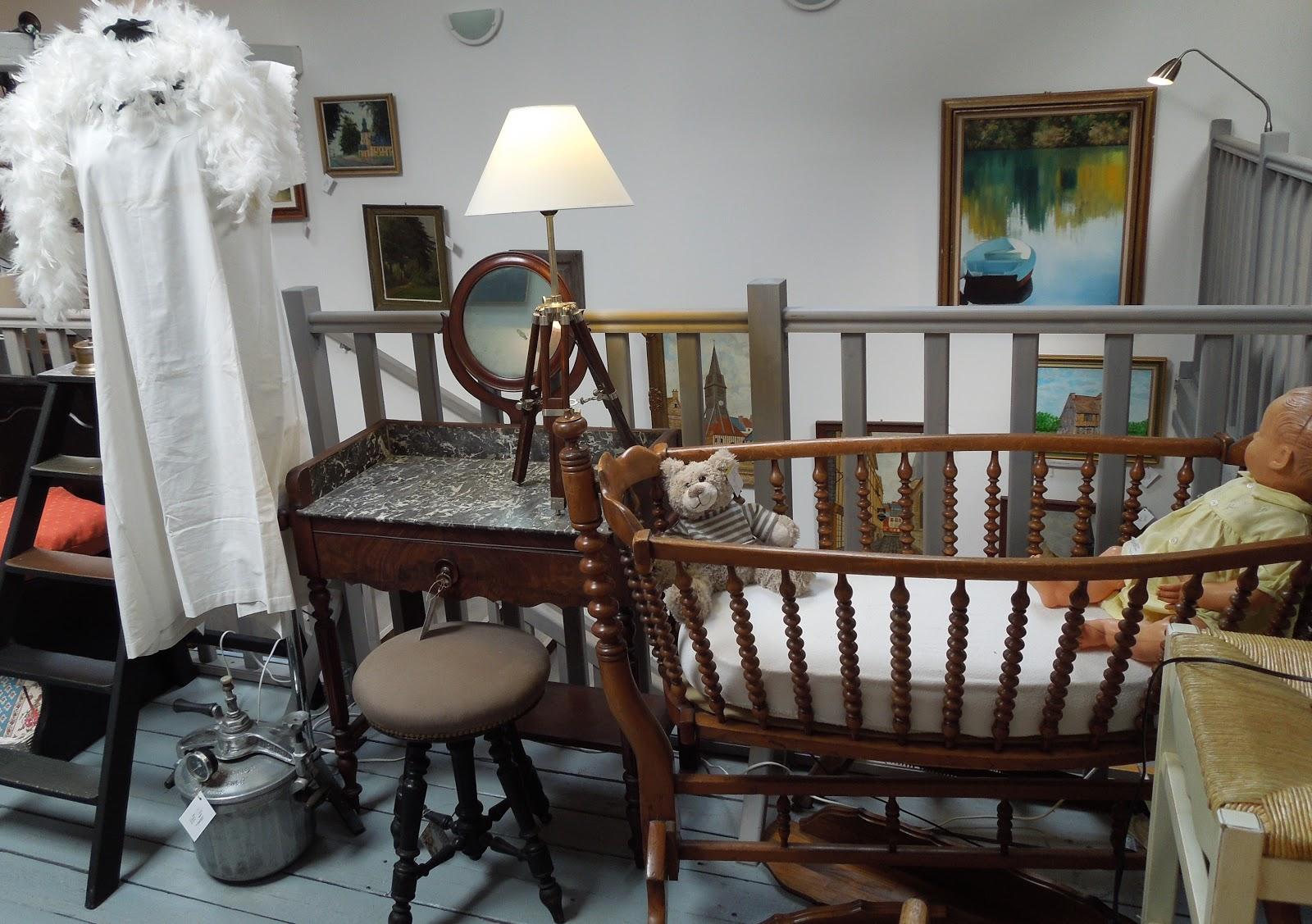 d p t vente honfleur le grenier de honfleur les petits coins douceur du grenier de honfleur. Black Bedroom Furniture Sets. Home Design Ideas