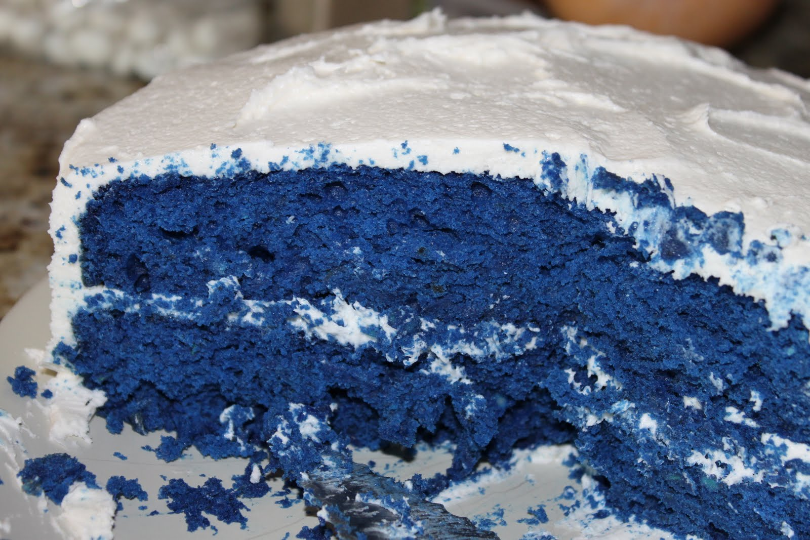 Images Of Blue Velvet Cake : Chemistry Cooking: Blue Velvet Cake with Marshmallow Creme ...