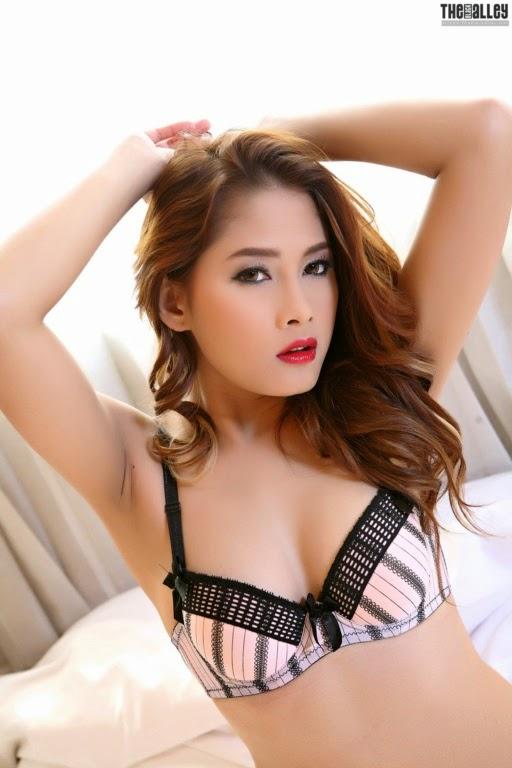 hot naked jewish girl