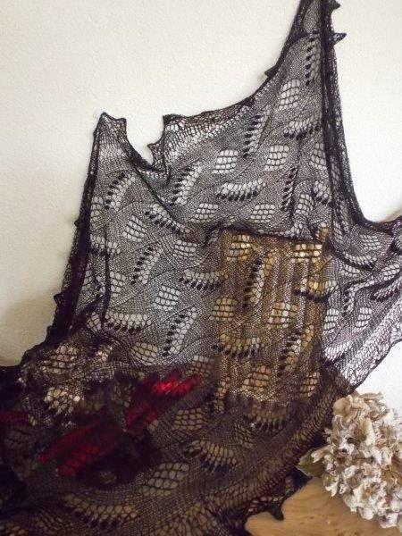 TE KOOP: extra grote lelie van dalen sjaal.