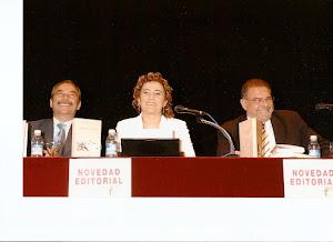 """Presentación del libro """"Mucha Vida"""". Teatro Victoria de Talavera de la Reina."""