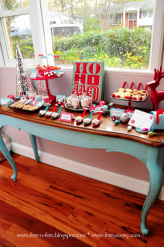 Retro Christmas Party Ideas Part - 19: Retro Playful Christmas Party - Happy Holidays!