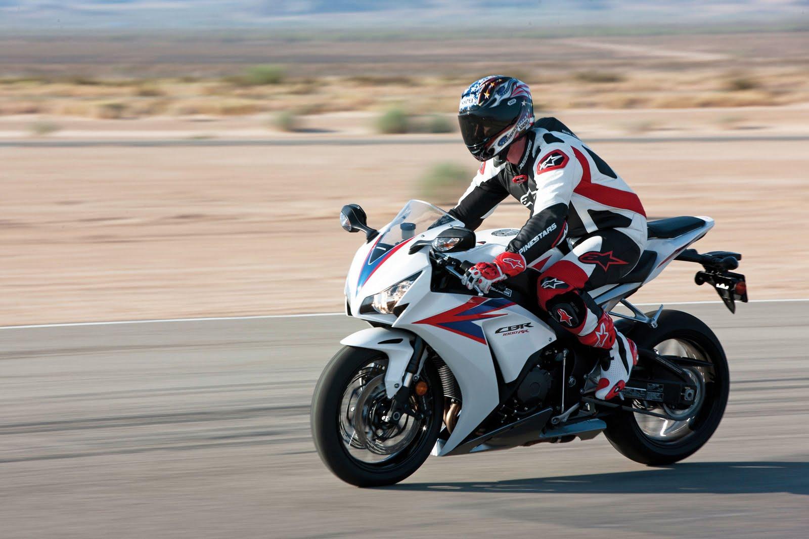 http://3.bp.blogspot.com/-qpod060xFZc/TsOdqOMxJjI/AAAAAAAAGpk/ViQwTRjfRLA/s1600/Honda-CBR1000RR-Stunts-Pictures.jpg