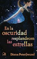 http://3.bp.blogspot.com/-qpyTChIw9Y8/UntX17CyHMI/AAAAAAAALZQ/z1tvGMx1OC8/s1600/unademagiaporfavor-novedad-novela-juvenil-romantica-octubre-2013-ozeditorial-en-la-oscuridad-resplandecen-las-estrellas-diana-peterfreund-portada.jpg
