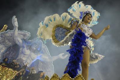 Rio-Carnival-Rio-de-Janeiro-Brazil-dancers-travel