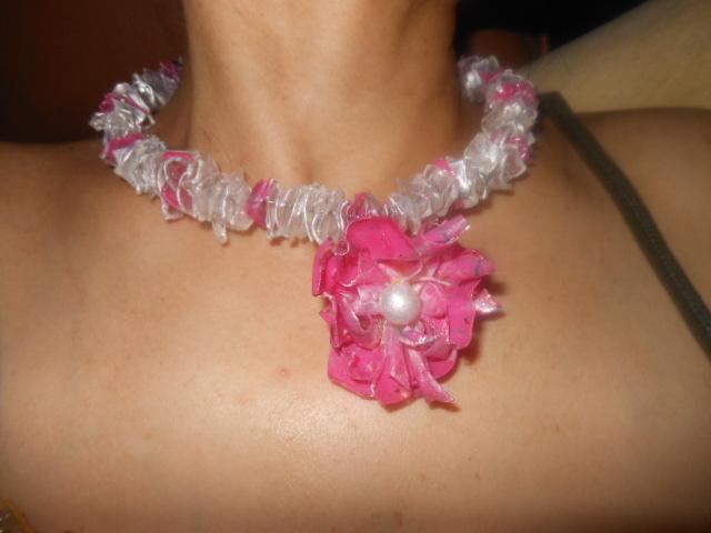 Ysahs creative hobby make jewelry from plastic bottle - Plastic bottle jewelry making ...