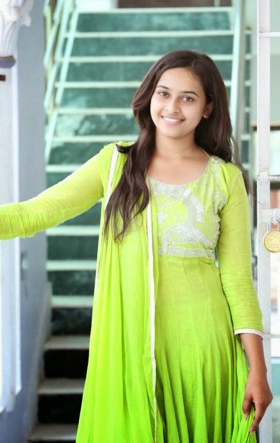Sri divya cute hot stills