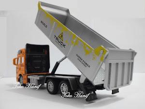 Truck Pasir (1:50)