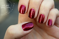 http://fckyeahprettynails.blogspot.hu/2013/12/the-getting-ready-for-christmas_26.html