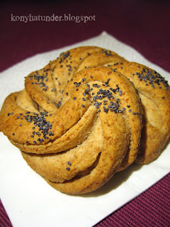 yogurt-bun-with-poppy-seed