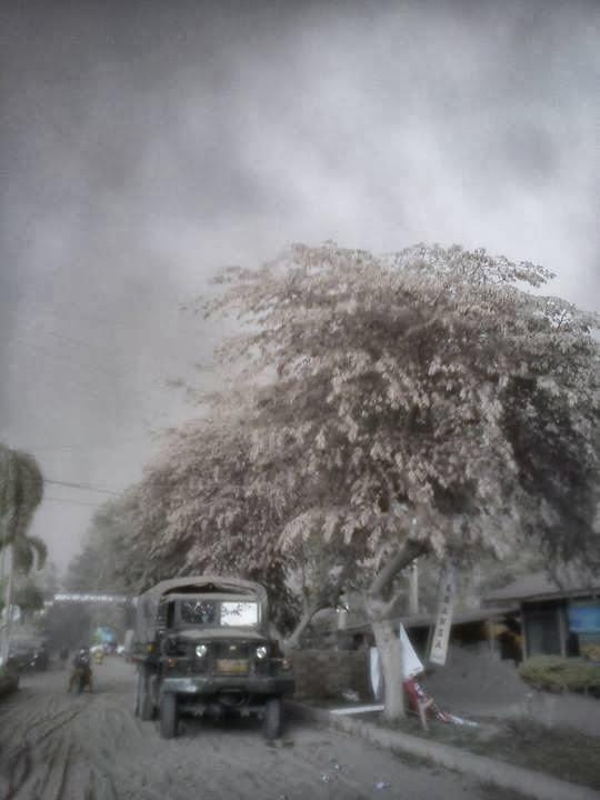 Suasana Pagi Setelah Gunung Kelud Meletus 2014