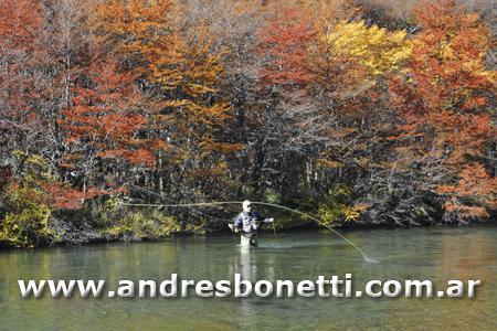 Otoño en la Cordillera de los Andes - El Chaltén - Pesca con Mosca en el Lago del Desierto - Patagonia - Andrés Bonetti