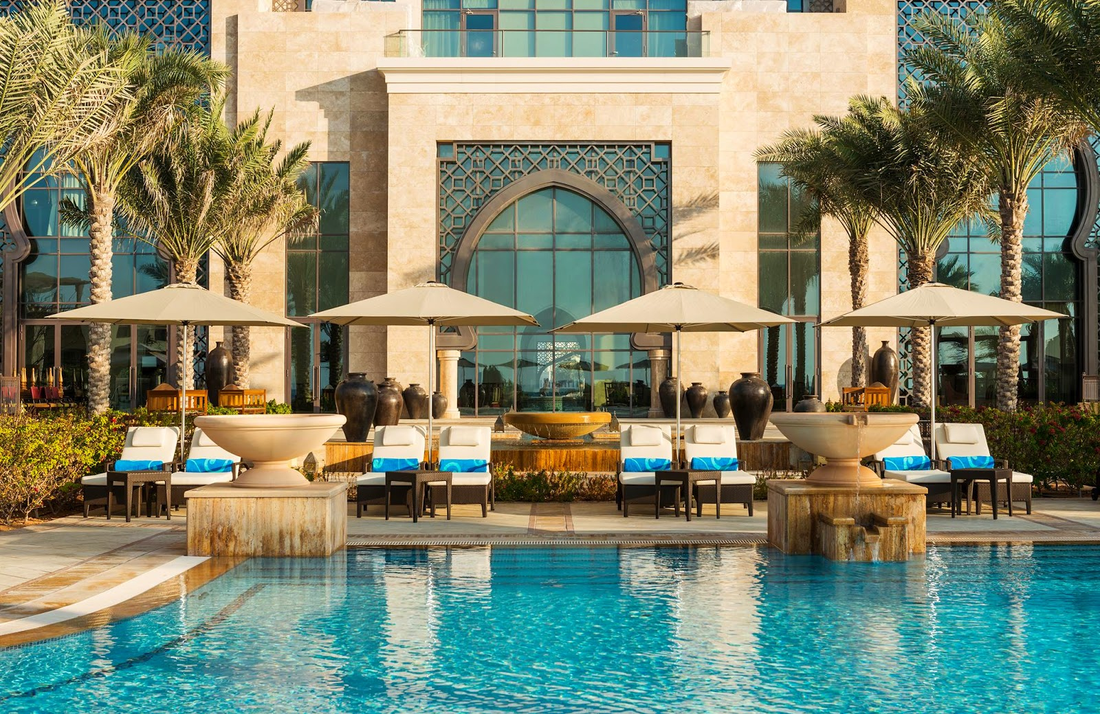 Luxury hotels ajman saray resort for Luxury resorts