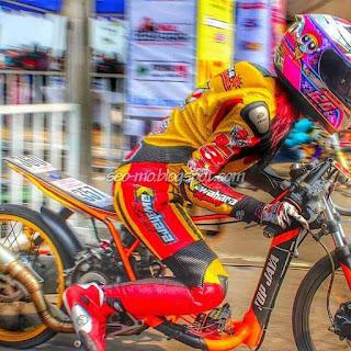 Foto Sabrina Sameh Balap Drag Bike