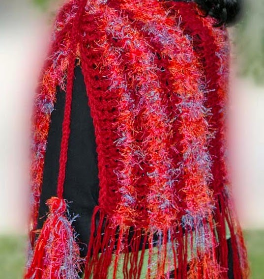 http://kniftyknitterweekly.blogspot.com/2014/04/multi-colored-shawl.html