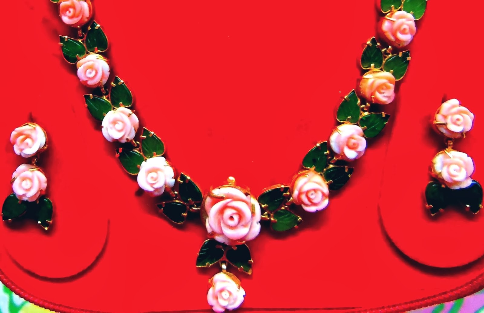 Fashionable n Chic: Coral Flower and jade leaf necklace set