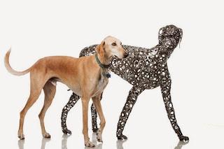 истинско куче вело верига скулптура