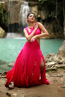 Oviya in Dark Pink Glamorous Gown Spicy Item Song Stills from movie Sandamarutham Tamil movie