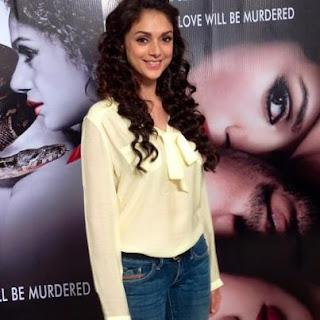 Aditi Rao Hydari & Mahesh bhatt promoting Murder 3
