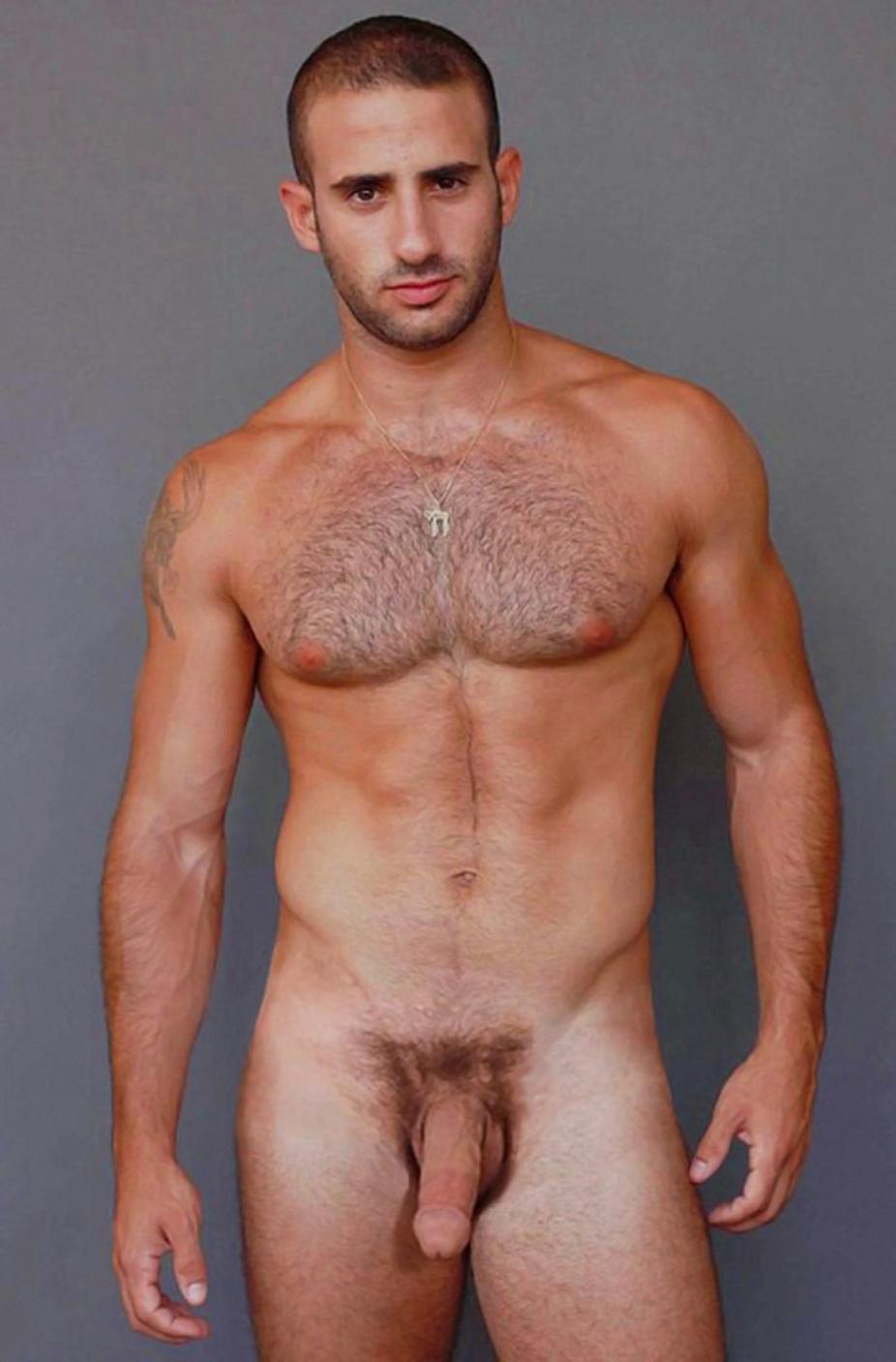 muzhskie-golie-foto