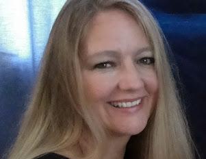 <b>Dianne J. Wilson<b><br><i>South Africa<i></i></i></b></b>