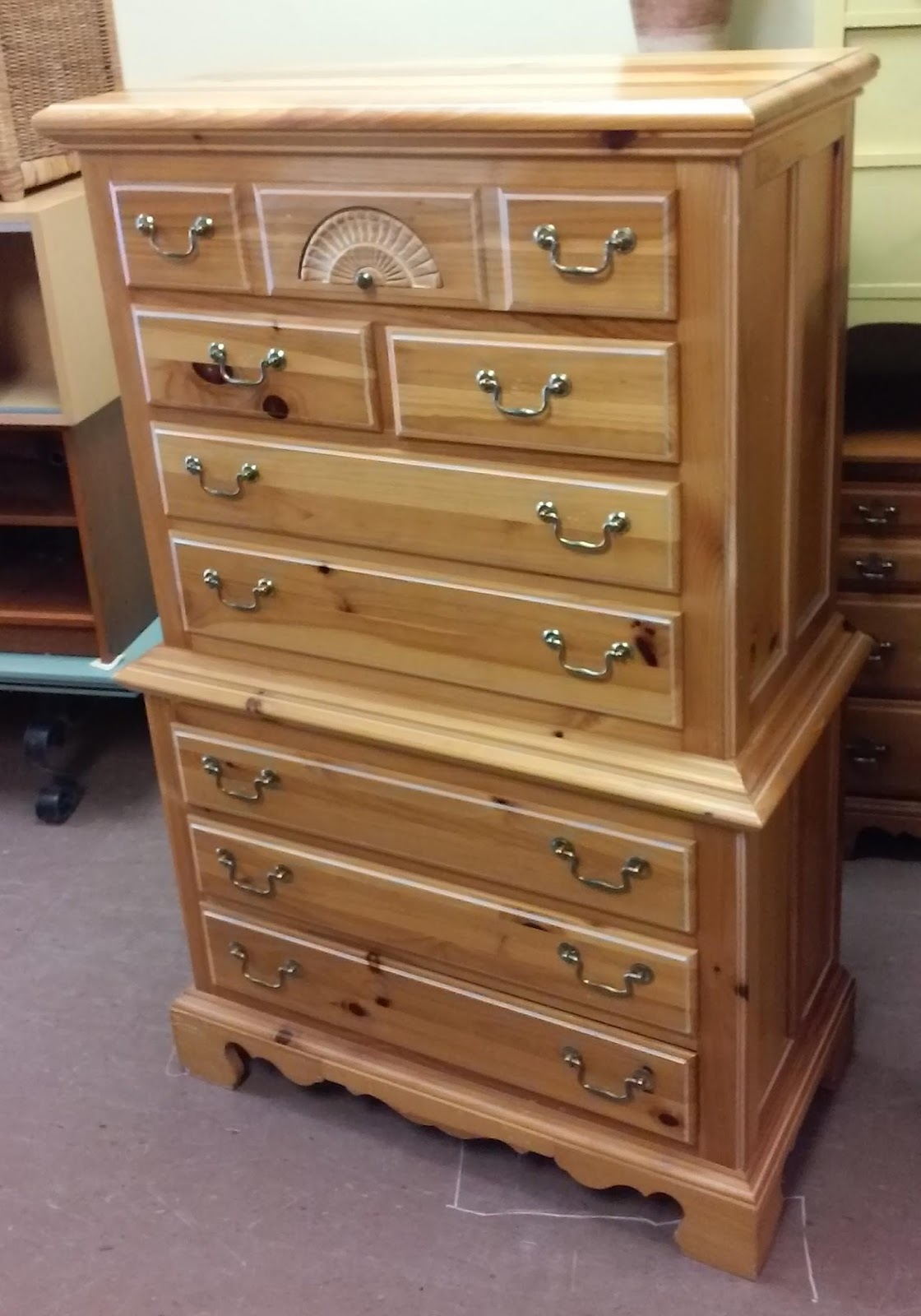 Sold Reduced Broyhill Country Pine Chest Of Drawers