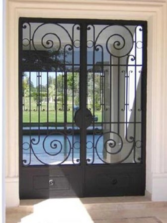 Servicios de carpinteria de metal y madera en tarapoto for Imagenes de puertas de metal