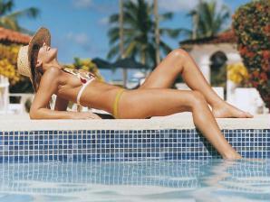 Mulher embriegada em piscina exposta na feira de S. Mateus em Viseu (video)