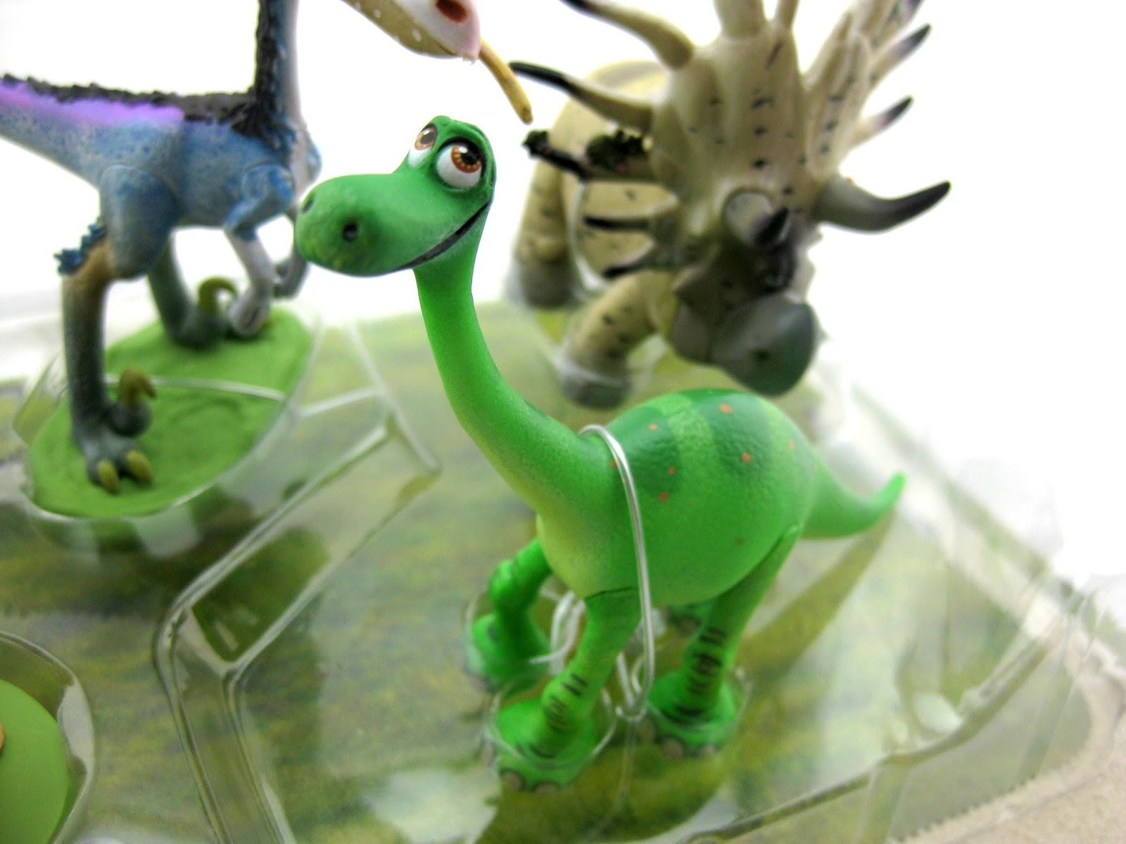 dan the pixar fan the good dinosaur figurine playset