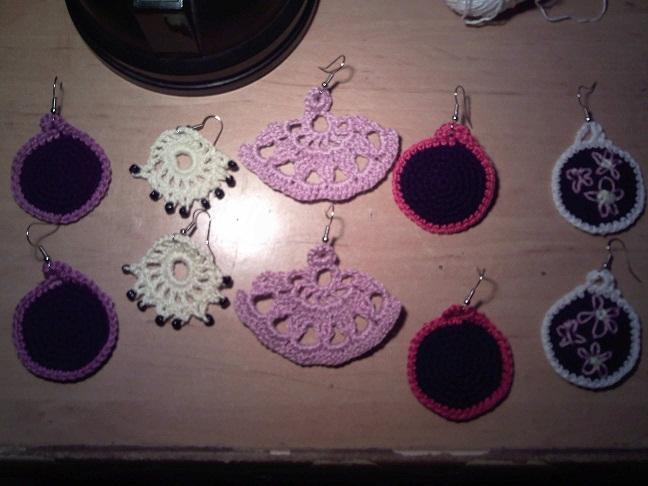 Rinconcito de Hada Nocturna: Pendientes crochet enero 2012