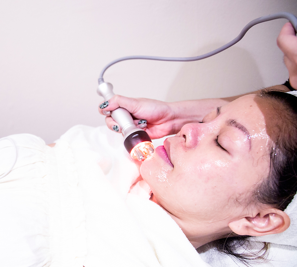 Crystal Phuong- Singapore Beauty Blog- Facial Radio Frequency Treatment