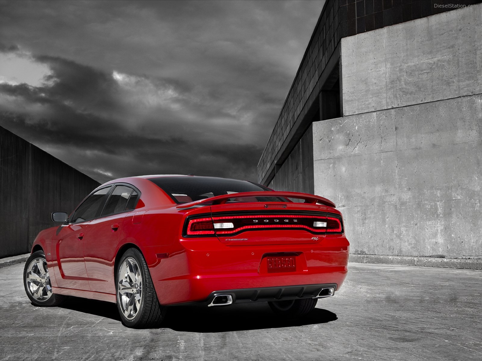 http://3.bp.blogspot.com/-qsmlTBfQ-1I/UV3XyT_vdII/AAAAAAAANYM/XWeqNm3f8So/s1600/2012+Dodge+Charger+RT+Wallpapers6.jpg