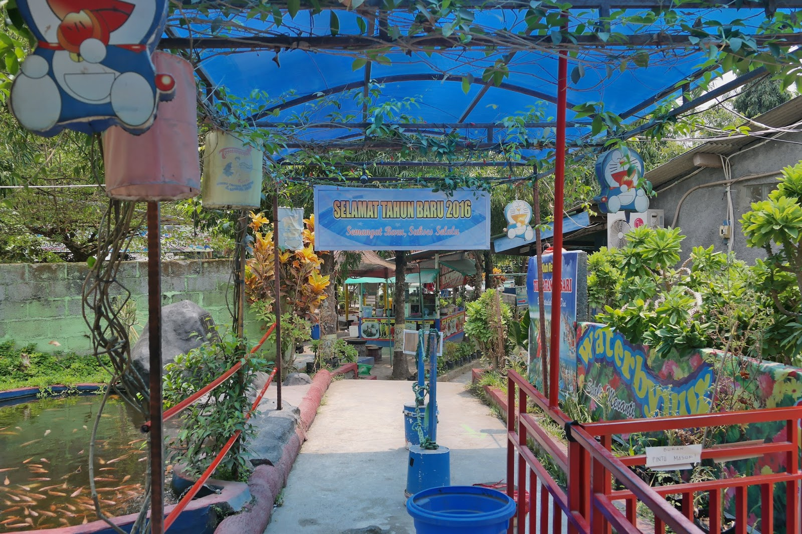 Kolam Renang Water Park Tirta Taman Sari Bantul