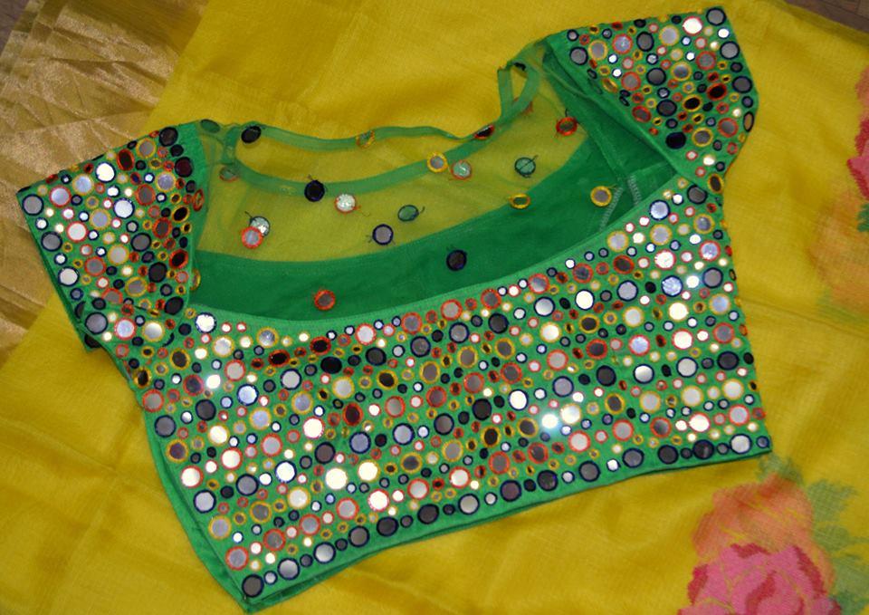 1af1e36111f477 Latest Mirror work blouse designs