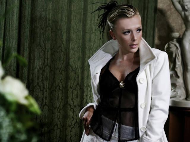 Singer Silvy de Bie