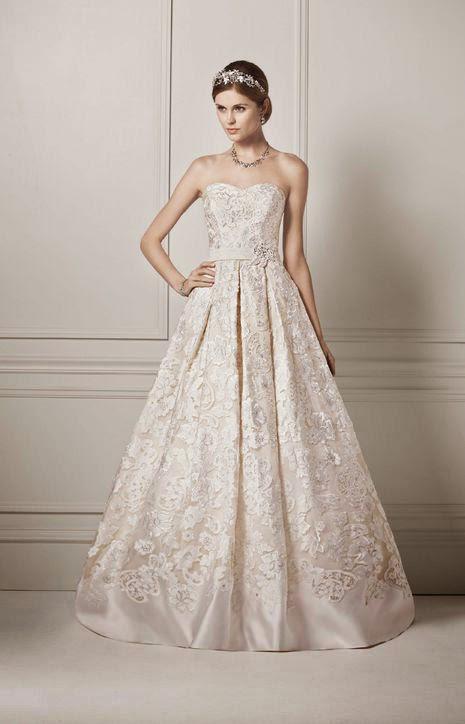 Сватбена рокля с дантела