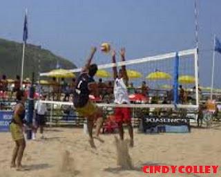 Pantai wisata Pangandaran!! sangat cocok untuk bermain voli pantai yang menyenangkan!!!