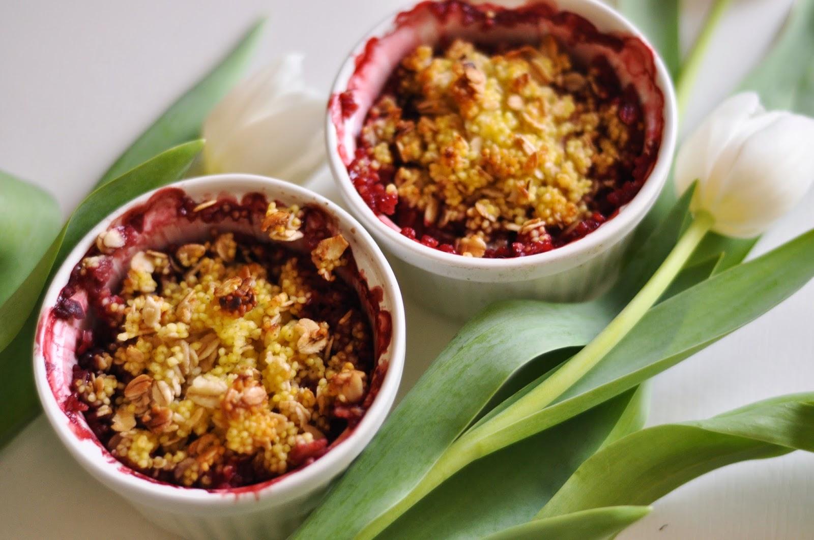 Jaglano-owsiane crumble z truskawkami | dietetyczne, bez laktozy