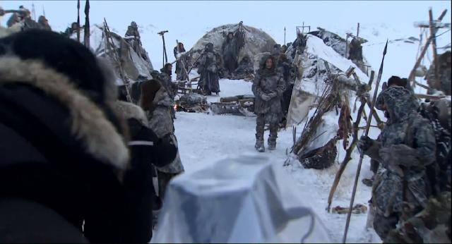 vista de un campamento de los salvajes en la tercera temporada de Juego de Tronos - Juego de Tronos en los siete reinos