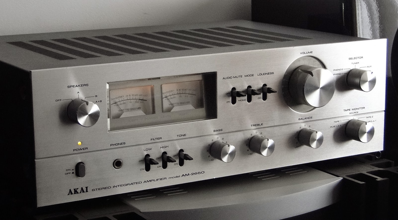 Akai Am 2650 Integrated Amplifier Audiobaza
